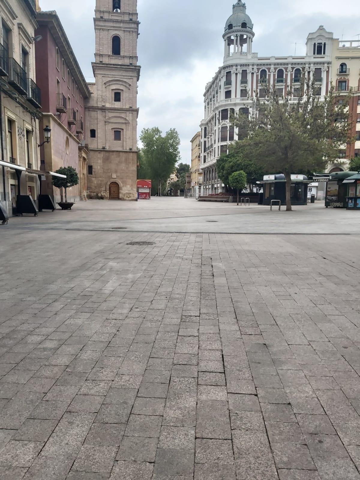 Centro de Murcia vacio en plena cuarentena.